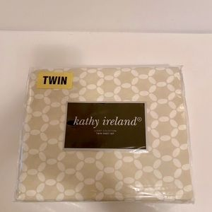 Kathy Ireland Twin Sheet Set Tan and White New
